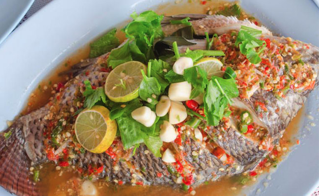 Steam Fish With Lemon And Herbs